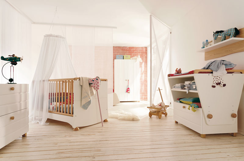 Modern Kids Room Furniture Set with Convertible Baby Crib â .