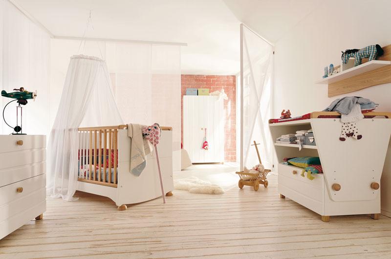 Modern Kids Room Furniture Set with Convertible Baby Crib â .