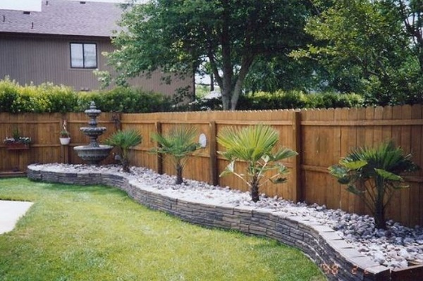 Fence Landscaping Ideas: 24+ Easy Ways to Beautify Your Backya