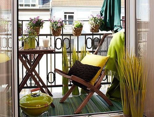 35 Lovely And Inspiring Small Balcony Ideas - Small House Dec