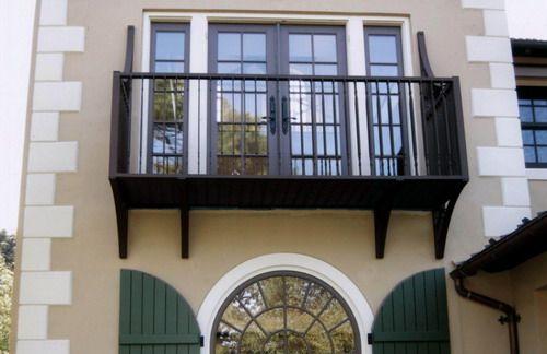 Small balcony exterior front house design | Iron balcony, Small .