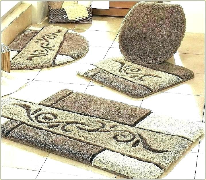Small Bathroom Rug - Image of Bathroom and Clos