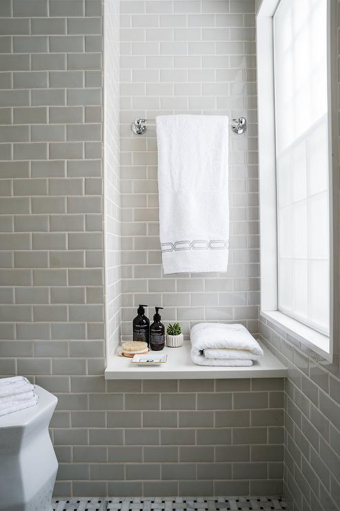 Bathroom Tile Ideas For Small Bathrooms Pictures - Image of .
