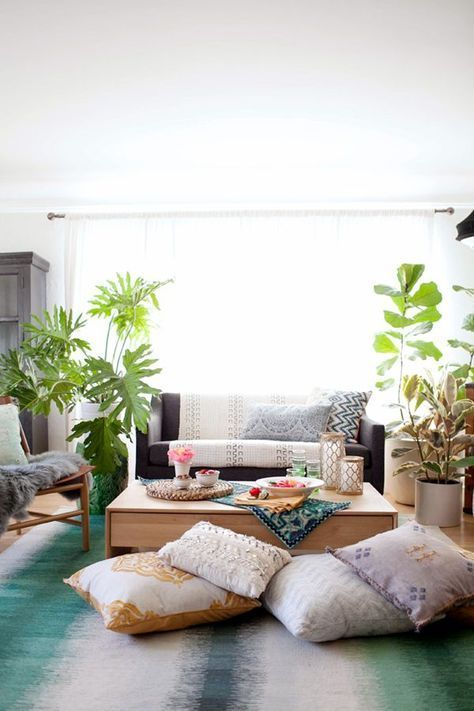 HOW TO STYLE :: A BOHEMIAN LIVING ROOM MAKEOVER | coco+kelley .