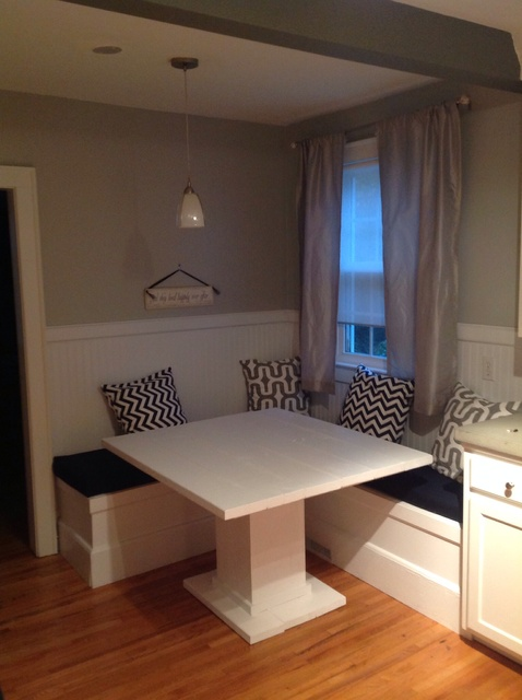 How to Make a Custom Breakfast Seating Nook - Snapgui