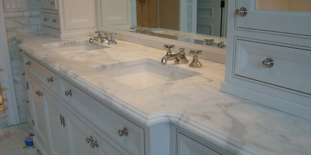 Looking for custom bathroom vanity tops with sinks in Tamp