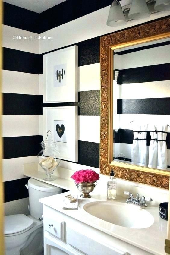 Cute Bathroom Decorating Themes | Bathroom | Small white bathrooms .