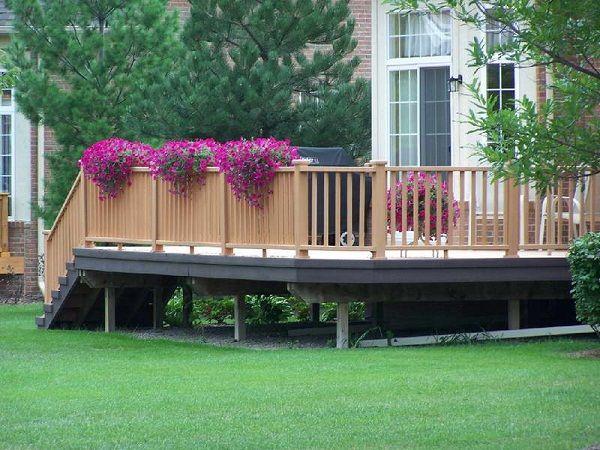 plants for deck - Google Search | Deck decorating, Deck designs .