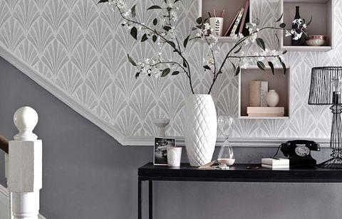 8 Bold Hallway Decorating Ide