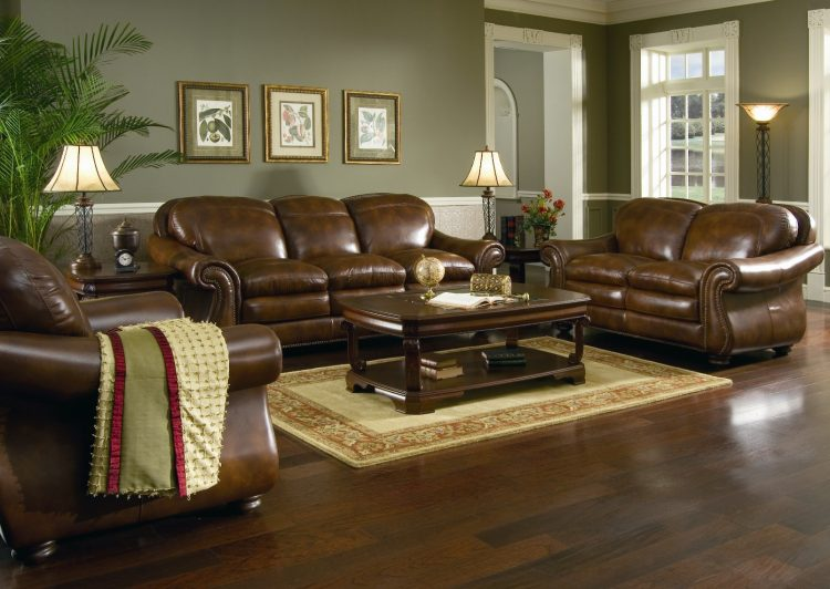 10 Gorgeous Living Rooms with Leather Couch