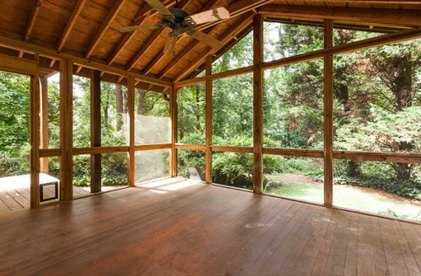 How to Clean a Screened Porch - The DIY Bungal