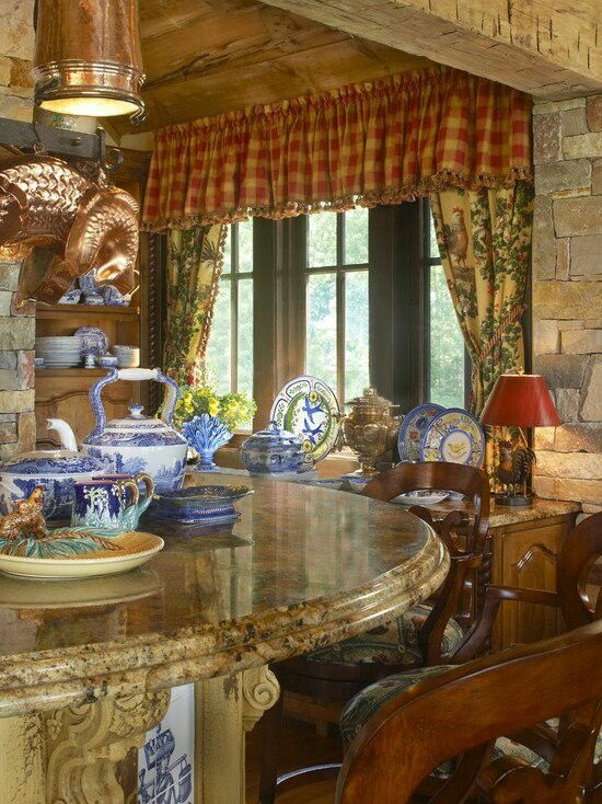 More Traditional Red White & Blue Rooms with Transferware | French .
