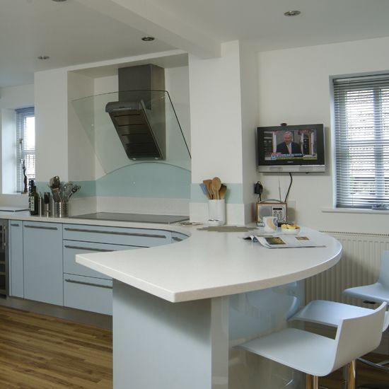 curved breakfast bar | Modern kitchen bar, Kitchen bar design .