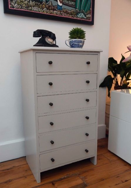 100 6 drawer chest, painted in grey. 105cm high, 62cm wide and .
