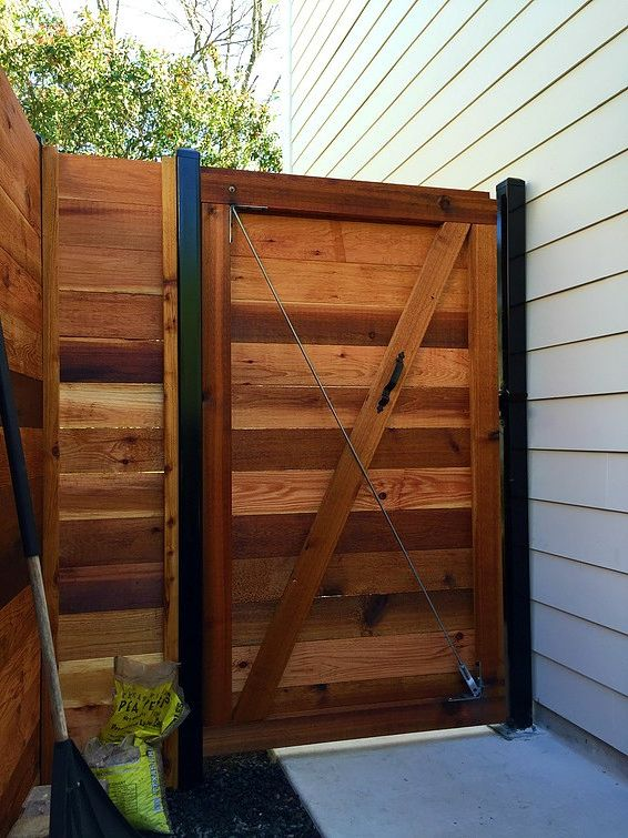 Some Great Horizontal Wood Fence Ideas For Your Summer Project .