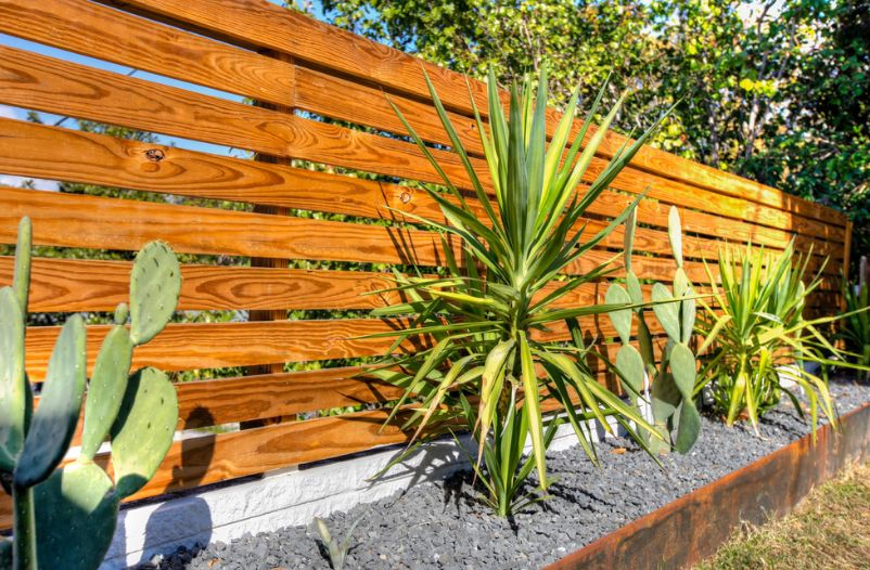 How A Horizontal Wood Fence Can Impact The Landscape And Décor .