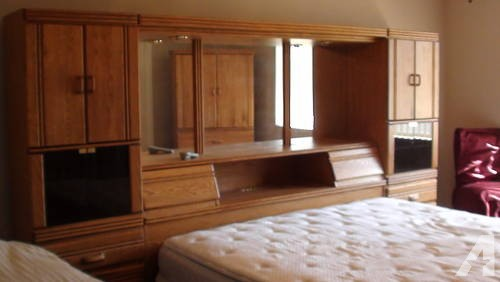 KING SIZE OAK PIER GROUP WITH ARMOIRE for Sale in Phoenix, Arizona .