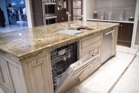 Flat island, two dishwashers & sink - should there be a ledge or .