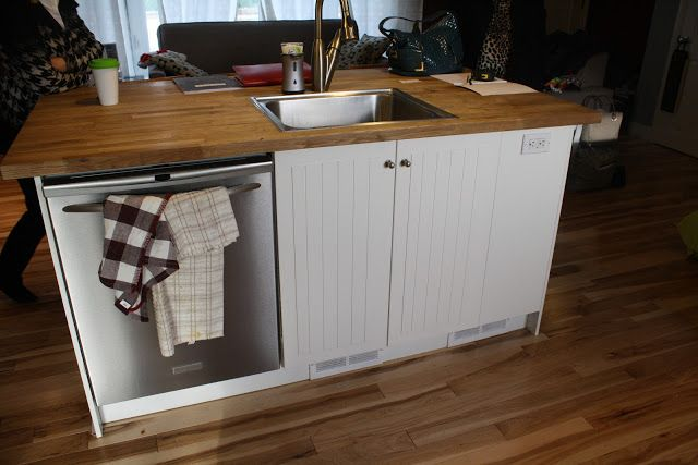 Small kitchen island with sink and dishwasher | Small kitchen sink .