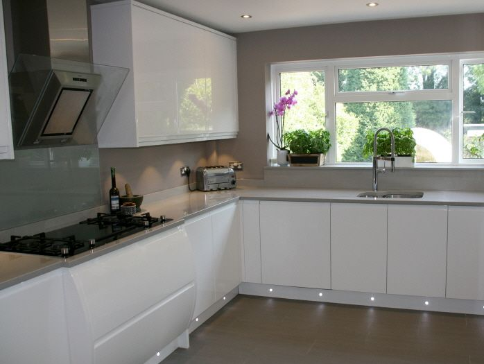 white gloss kitchen grey worktop grey floor - Google Search (With .