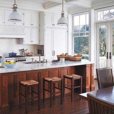 10 Inspiring Kitchens with Wood Cabinets and White Countertops .