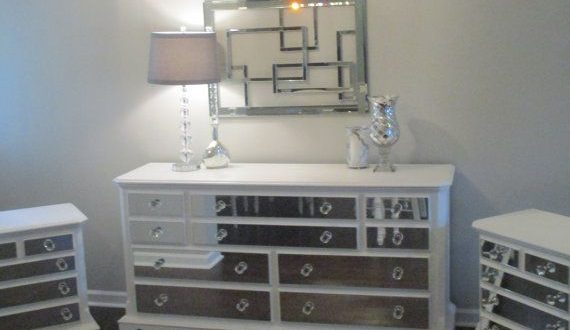 Mirrored Dresser and 2 Matching Nightstands Pure White, Mirrored .