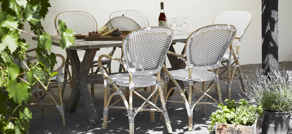 Modern French Bistro Tables And Chairs | Iron patio furniture .
