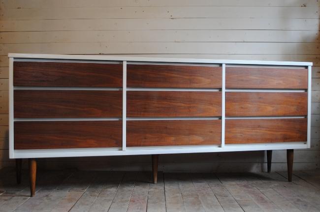 Mid Century Modern Nine Drawer Dresser   Phylum Furnitu