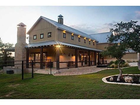 10+ Great Ideas for Modern Barndominium Plans | Pole barn house .