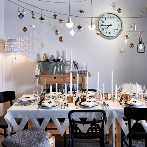 New Year's Eve home decoratio