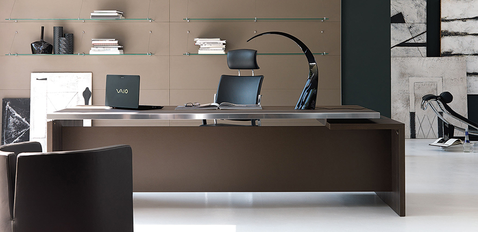 Modern Italian executive unique office desks Athos by IVM Ita
