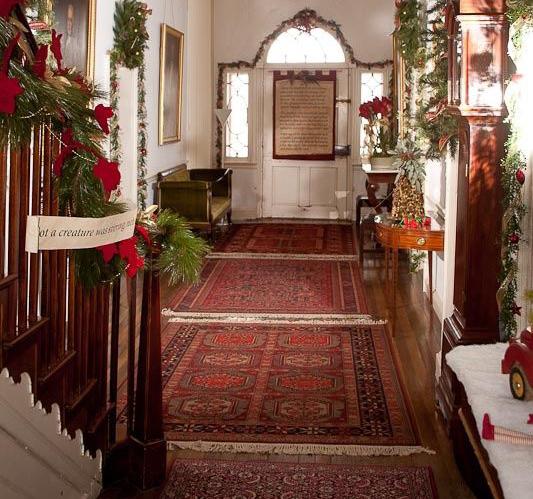 Holiday Oriental Rug Decor - Rugs & Mo