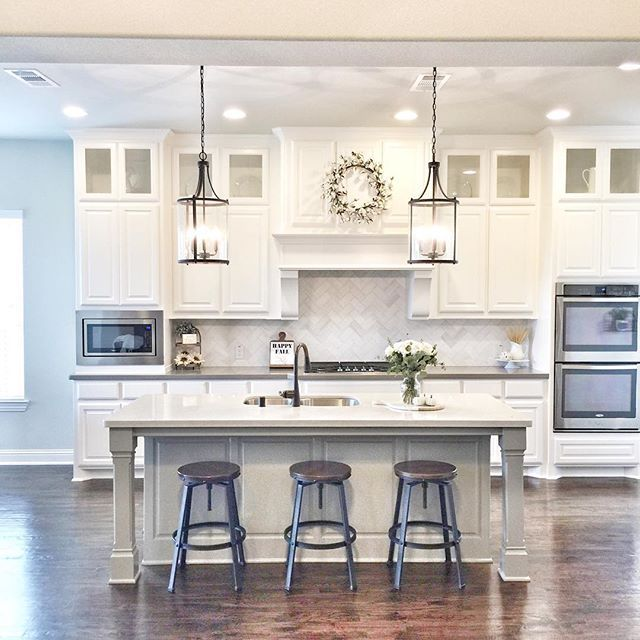 White kitchen. (With images) | Kitchen design, Kitchen remodel .