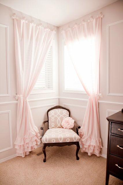 DIY Nursery in Pink & Grey | Розовые шторы, Девчачьи комнаты .