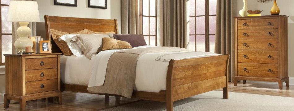 Beautiful Carvings Of Wood And Metal Bedroom Furniture .