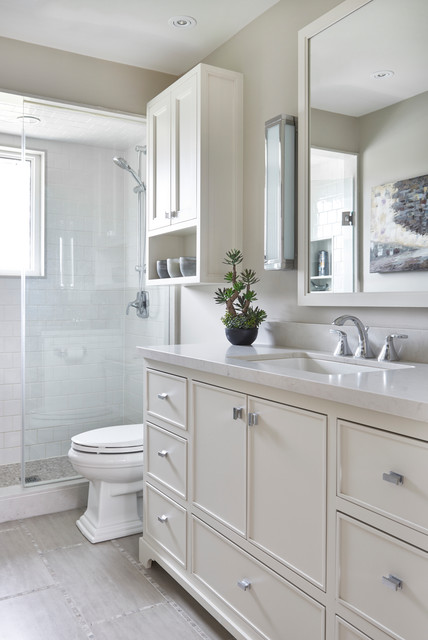 Before and After: 9 Small-Bathroom Makeovers That W