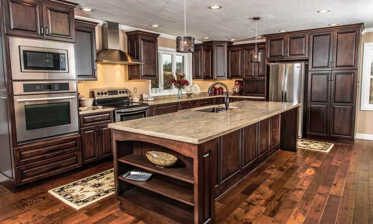 Amish made custom kitchen cabinets | Schlabach Wood Desi