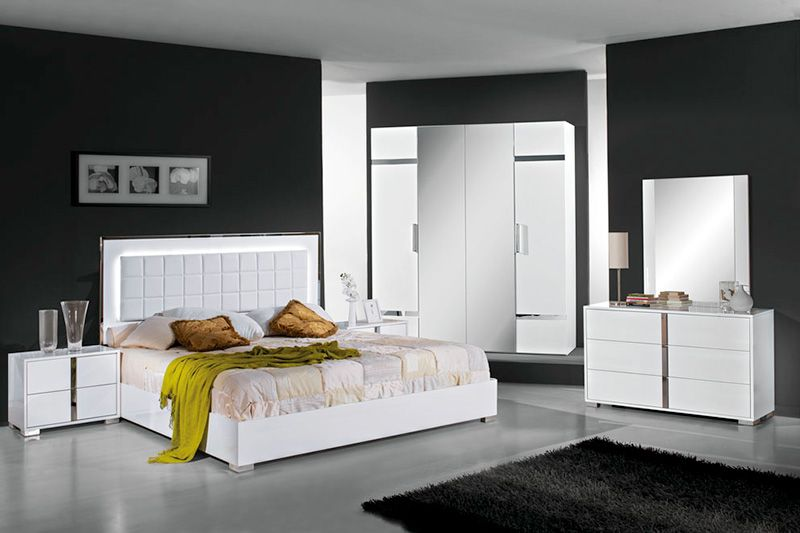 Bedrooms image by Asia | White bedroom design, White gloss bedroom .