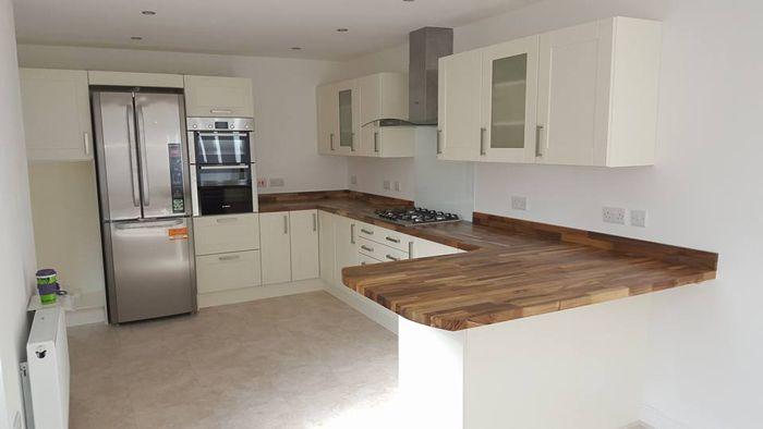 Wooden Kitchen Worktop Ideas | Shaker style kitchens, Kitchen .