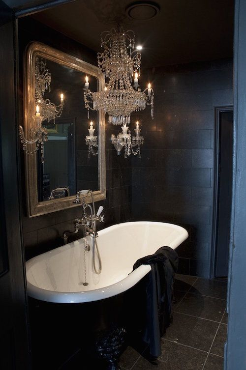 24 Bathrooms with Luxurious Tubs | Victorian bathroom, Bathroom .