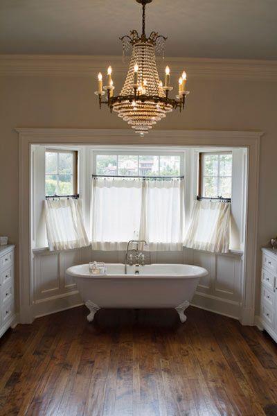 Bath Chandelier Dos and Don'ts | Beautiful interiors, Bathroom .