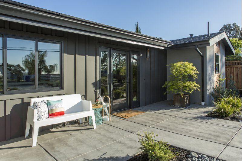 Bence Plastic Outdoor Garden Bench (With images) | Outdoor garden .