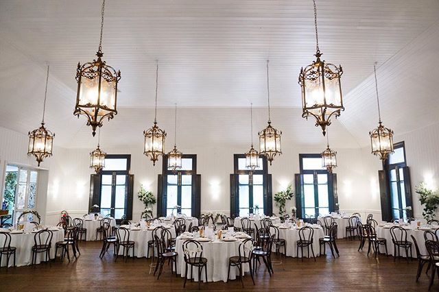 We love the big chandeliers in the Orangerie @jaspersberryweddings .