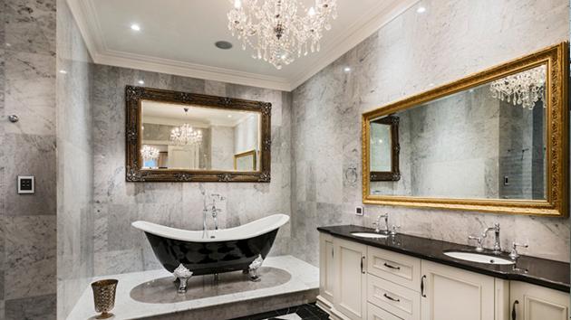 20 Gorgeous Bathroom Crystal Chandeliers | Home Design Lov