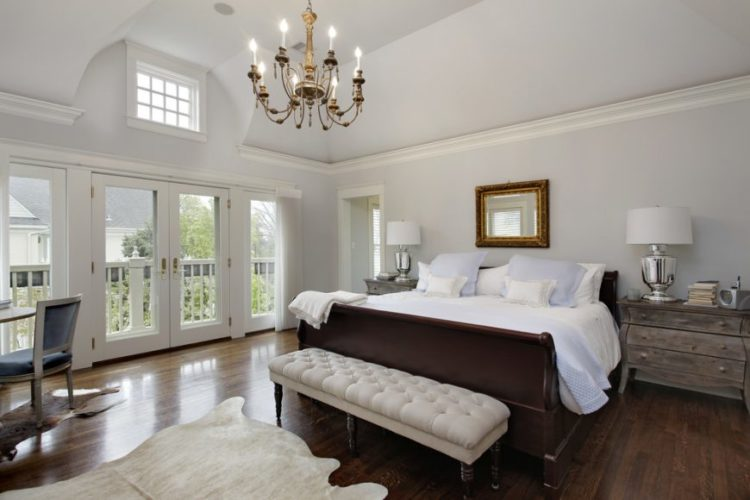 20 Beautiful Master Bedrooms with Chandelier Lighti