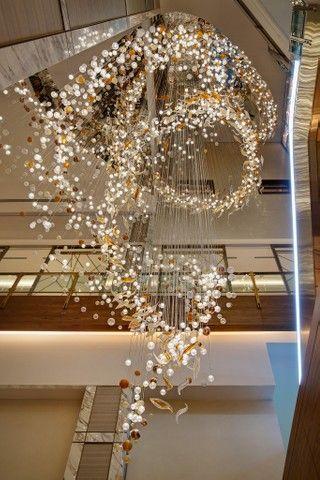 兜莱灯饰专业承接酒店售楼部样板房酒吧别墅灯具定制服务,专做大堂吊灯 .