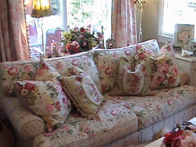 Talk about chintz... something very comfortable and cozy about .