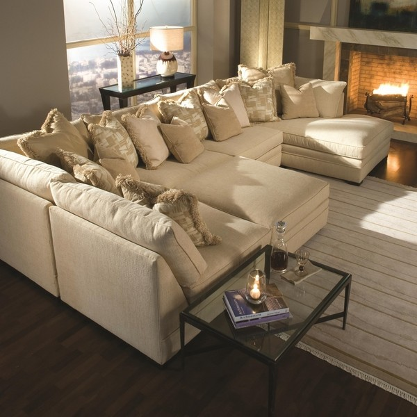 Oversized couches – welcoming and comfortable or huge and clums