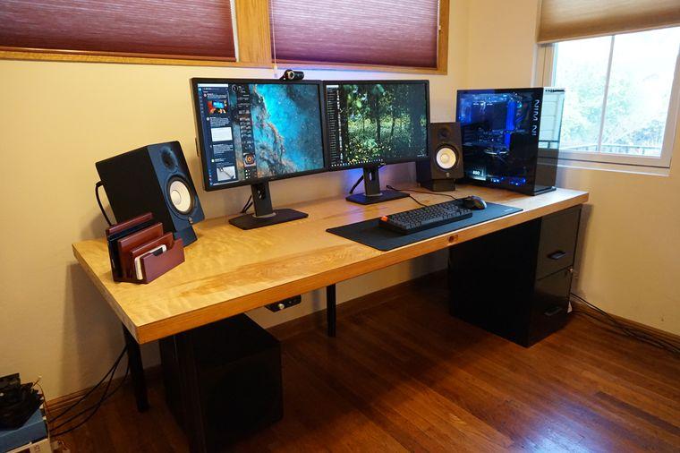 Computer Desks With Doors