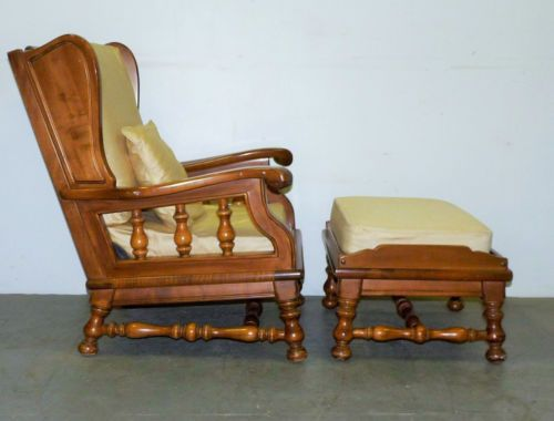 Vintage Ethan Allen Maple Spindle Wing Back Lounge Arm Chair .
